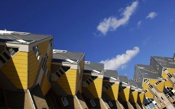 fullimage_rotterdam cube shaped houses kubuswoningen