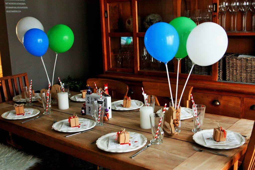 sintfeest ballonnen tafeldecoratie pakjes sint en piet