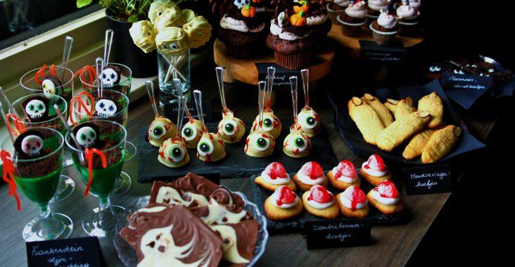 verjaardagsfeestje halloween pudding cakepops chocolade cupcakes spookjes mummies monsters heksenvingers