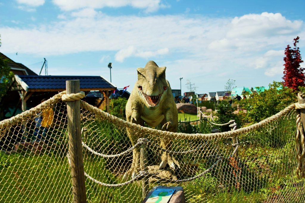 jURASSIC aDVENTURE GOLF PARC minigolf dino's dinosauriërs midgetgolf t-Rex