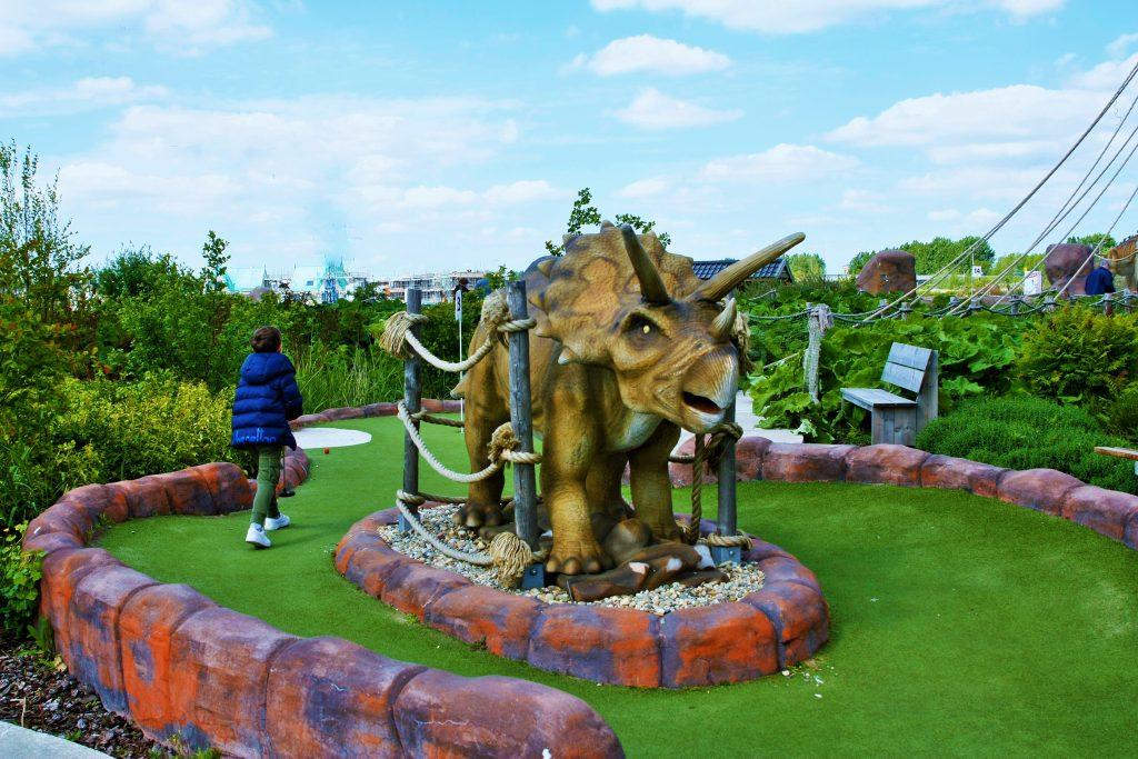 jURASSIC aDVENTURE GOLF PARC minigolf dino's dinosauriërs midgetgolf triceratops