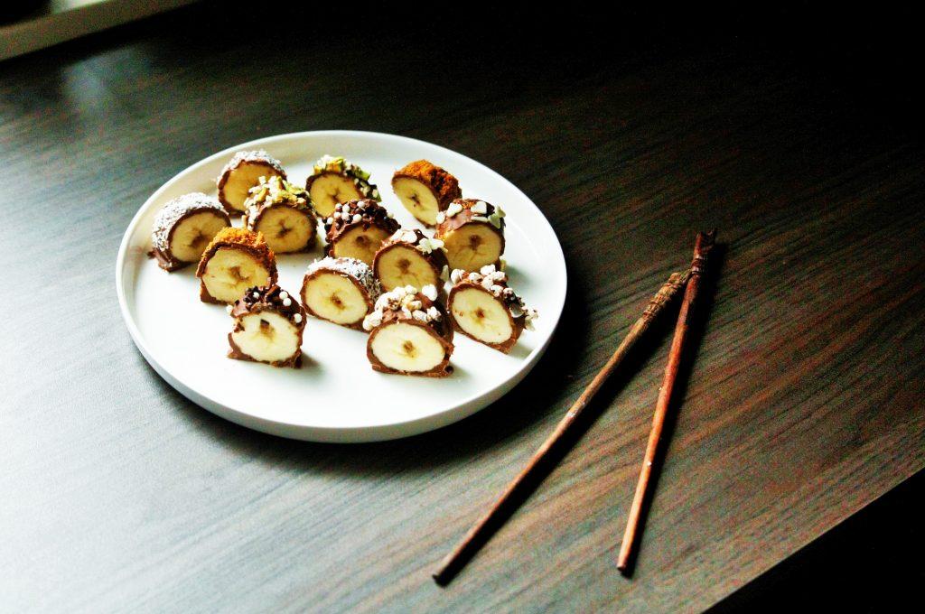 food for kids snacks healty vieruurtje tienuurtje kinderen brooddoos koken met kids banaansushi