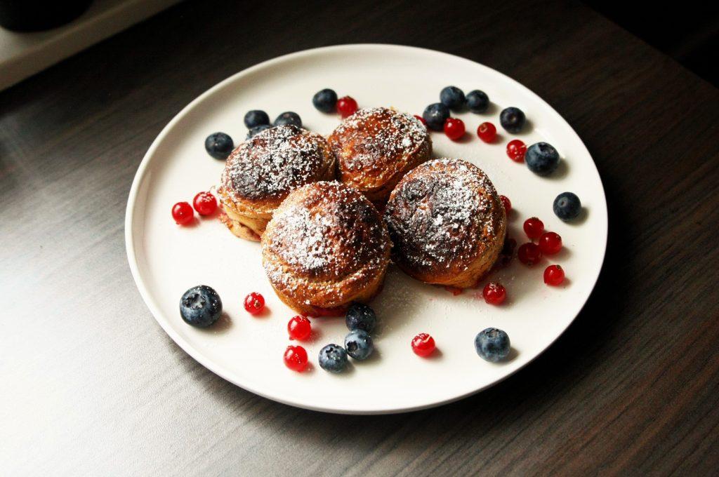 food for kids snacks healty vieruurtje tienuurtje kinderen brooddoos koken met kids pancake muffin pannenkoekmuffin