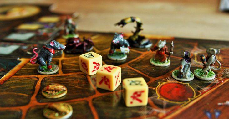originele bordspellen kinderen spelen met kinderen bordspel Mice and Mystics