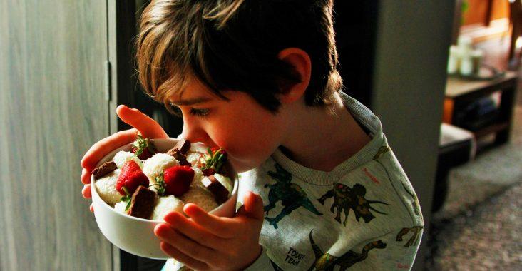 kokossnoepjes raffaello Maltesers traktatie gift gastvrouw koken met kinderen koken met kids presentatie
