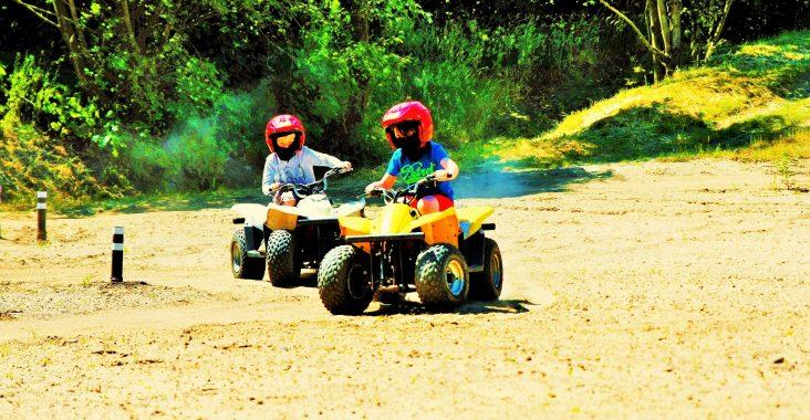 kinder quad kids quad mini quads quads voor kinderen wattedoen uitstapjes met kinderen op stap met kids lommel quadverhuur neerpelt nooitgedachtland