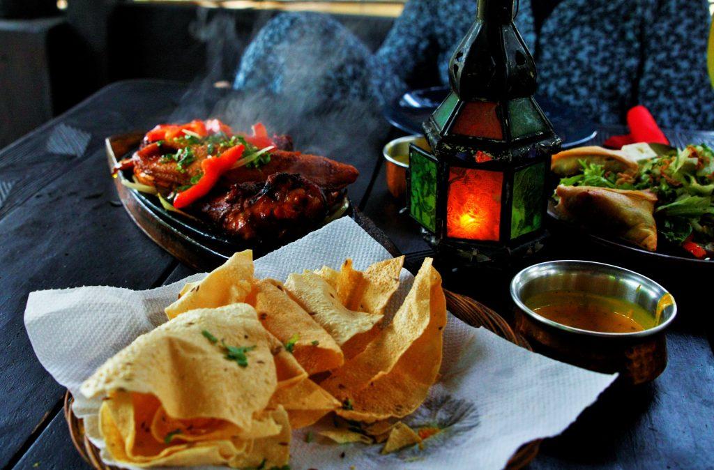 WORLD KITCHEN kessel lo indisch eten eten in een bubbel staycation origineel restaurant resto Leuven (13)