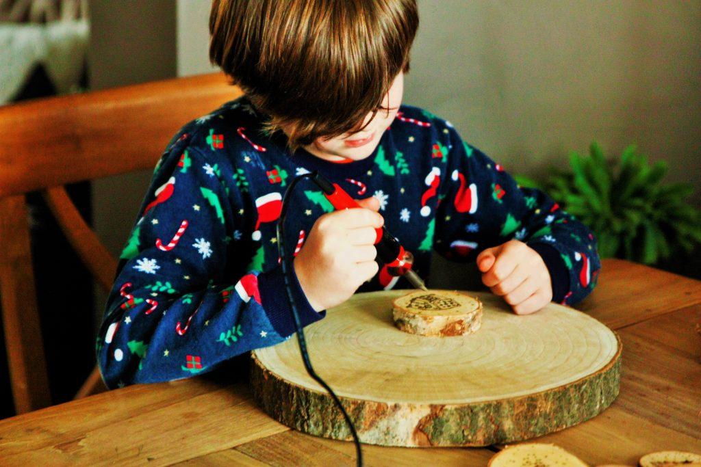 diy box knutselbox entertainment verjaardag aboxx spelen met vuur knustelbox at home diy at home vuurpen wattedoen activiteiten kids knutselen kids (2)