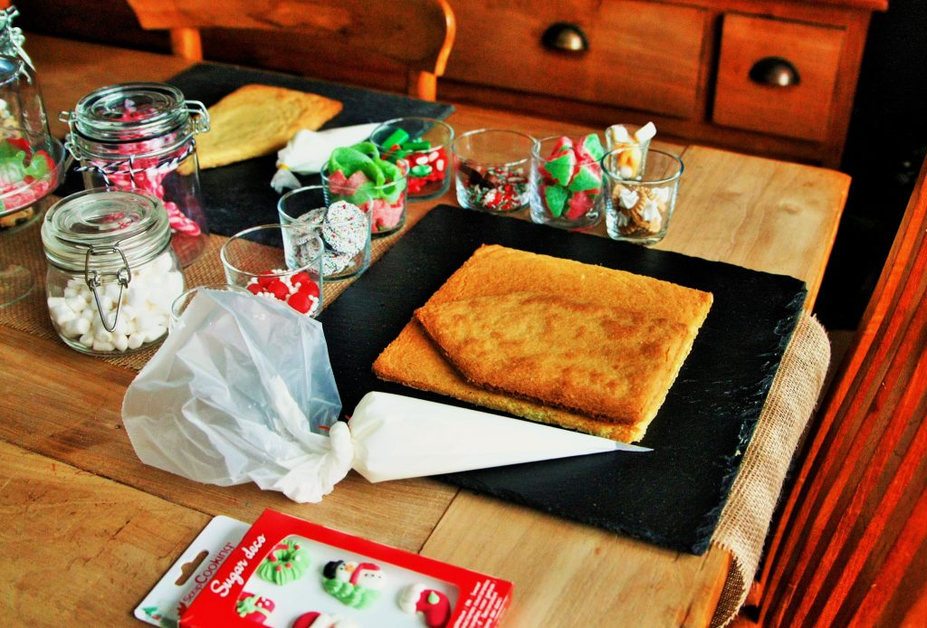 gemberhuisje gingerbread house kerstknutselen kerstactiviteit PYO cookie kit PYO cookie set DIY koekjes box kerstmis koekjes kerst koekjes